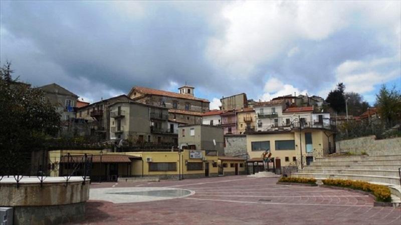 La piazza di Petronà