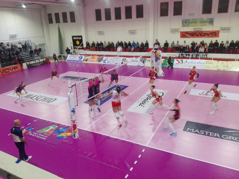 Volley, Soverato trova due punti al Palascoppa - Calabria 7
