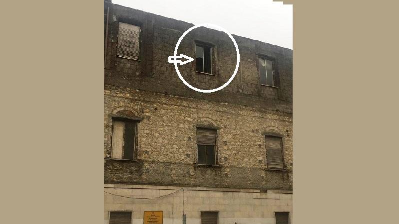 la finestra pericolante