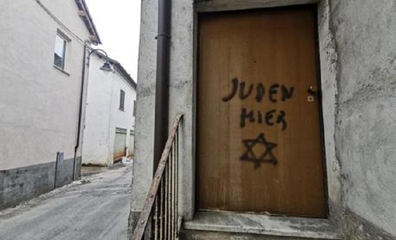 scritta shock antisemita