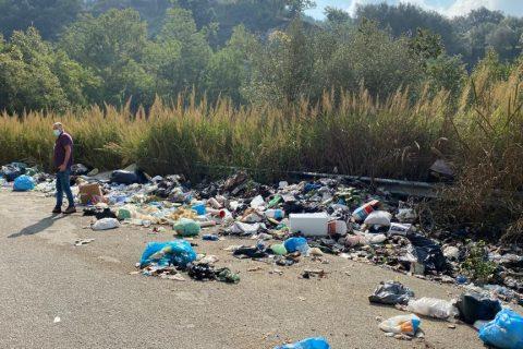 sopralluogo tra i rifiuti