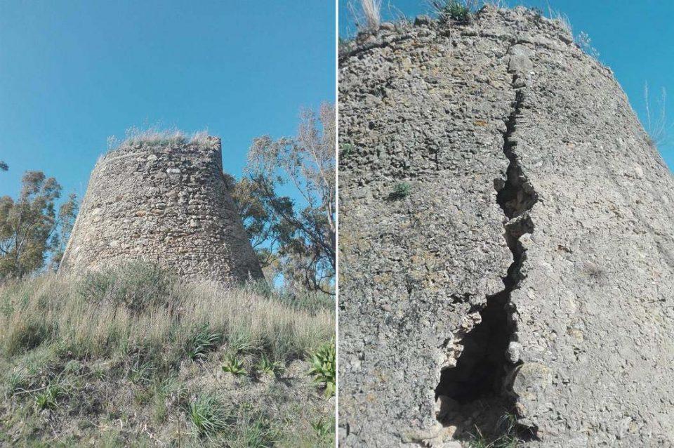 """La torre Casamona sta crollando. L'appello dei cittadini di Riace: """"Non possiamo perderla"""""""
