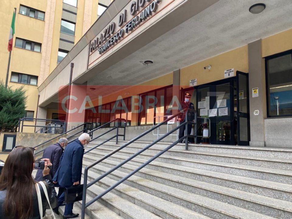 Farmabusiness, Tallini davanti al gip: al via l'interrogatorio (FOTO)